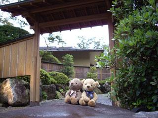 クマのルーニー 別邸「奥の樹々」入口