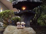 クマのルーニー 灯籠とルーニー