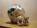 クマのルーニー 九谷焼の壺