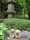 クマのルーニー 庭 灯籠