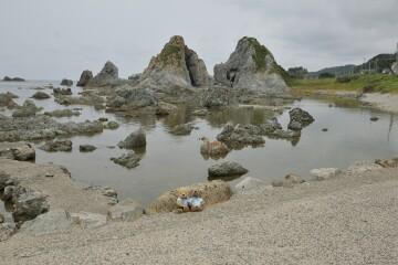 七浦海岸の夫婦岩