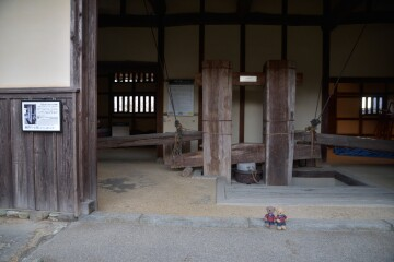 蝋絞り小屋