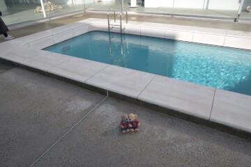 スイミング・プール